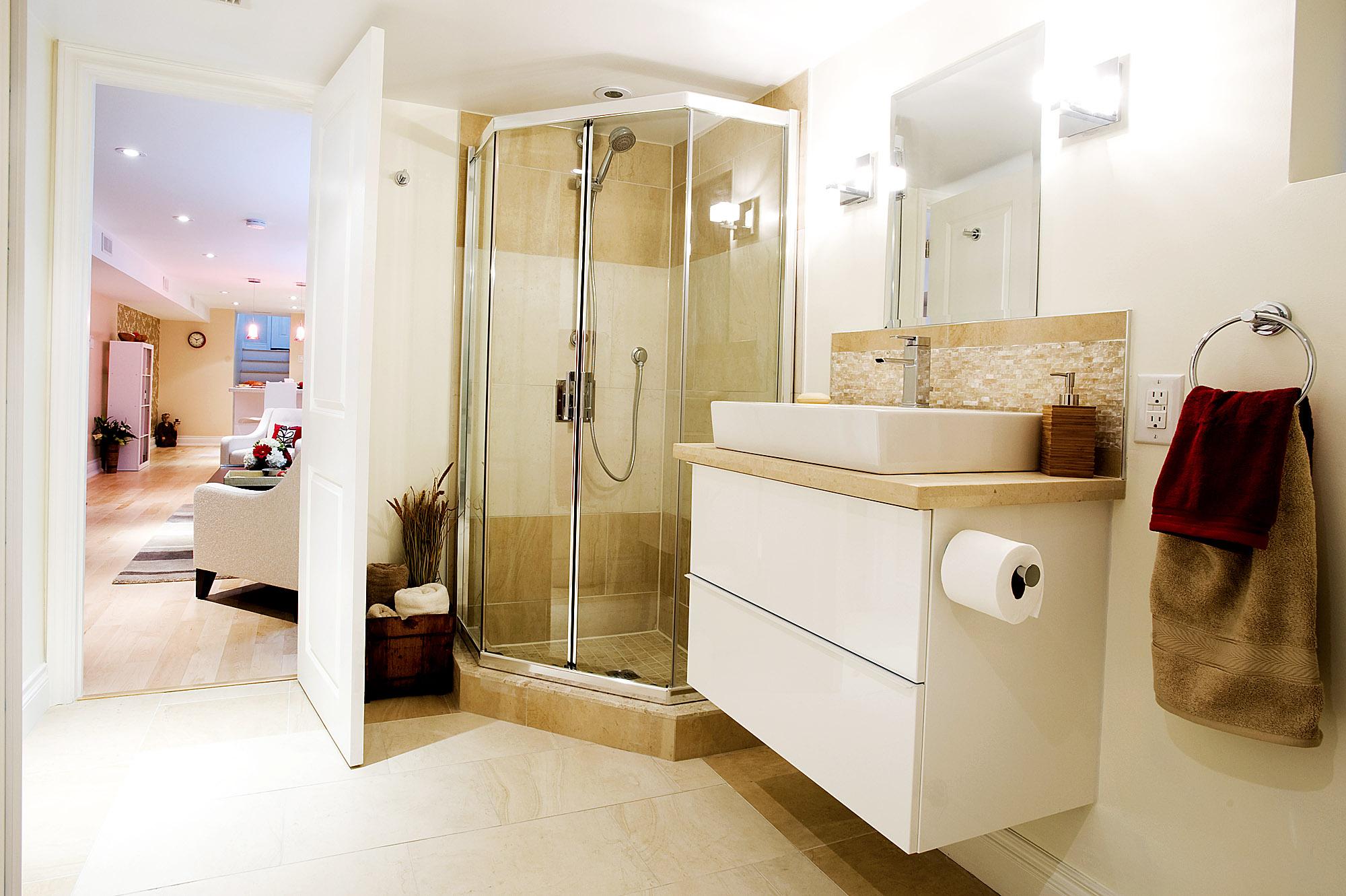 Bathroom renovation toronto custom bathroom renovation for Custom bathroom renovations